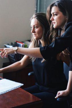"""Координаторы (Менеджеры) часто решают вопросы сообща. У них """"своя атмосфера"""" 2019г"""